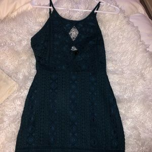 Beautiful lace detailed keyhole dress